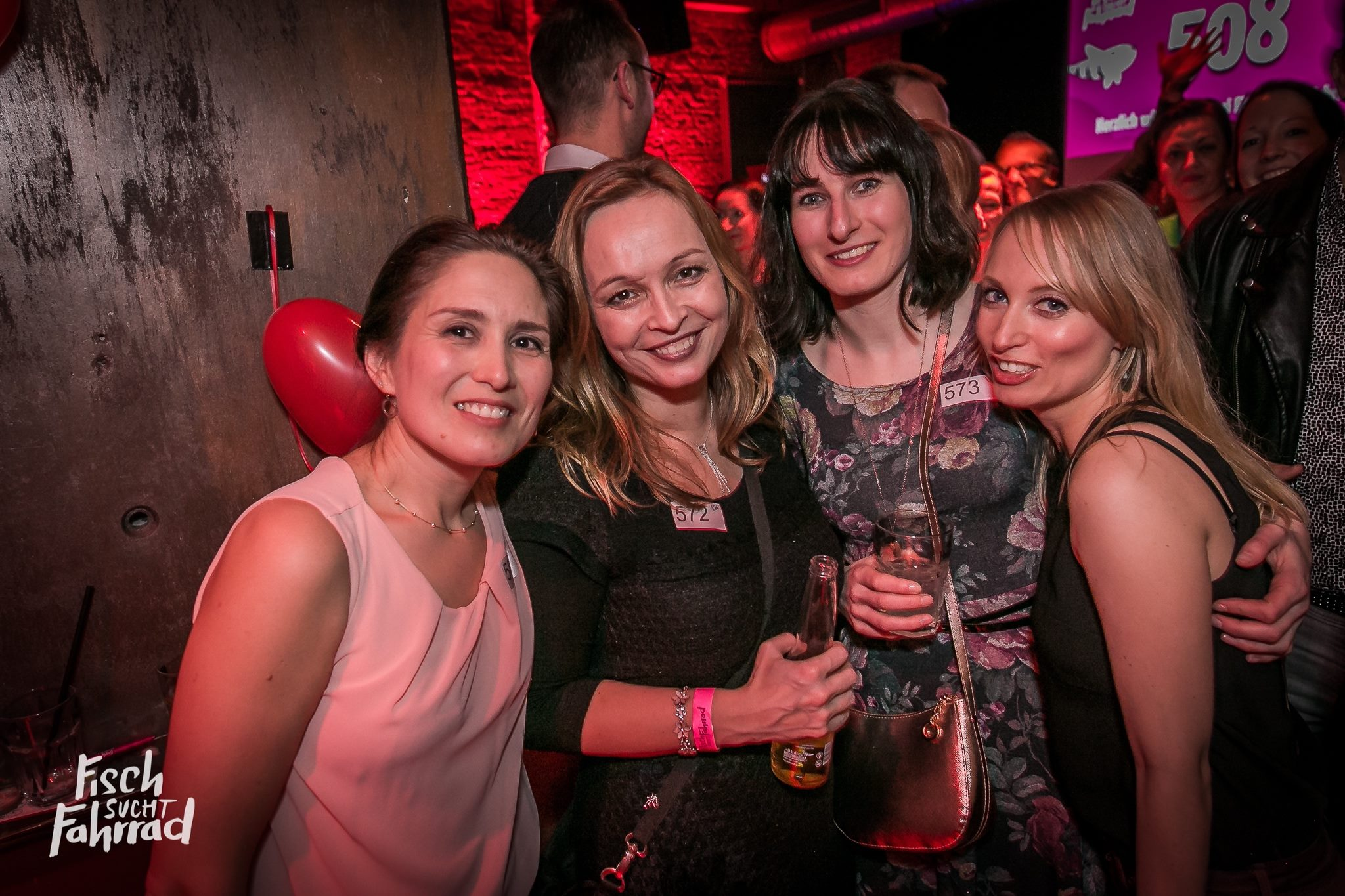 Single hamburg party [PUNIQRANDLINE-(au-dating-names.txt) 60